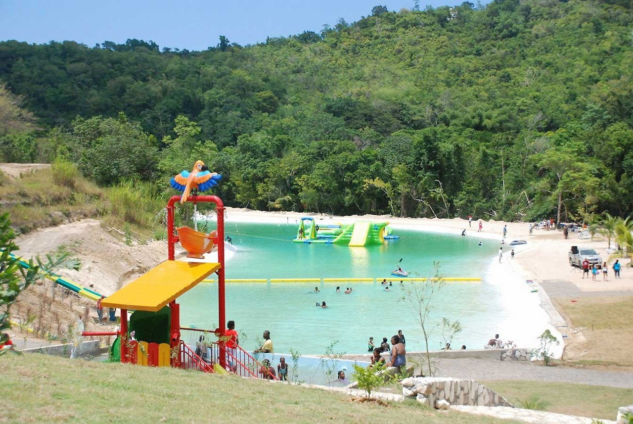 Best Water and Amusement Parks in Jamiaca - Couples Resorts