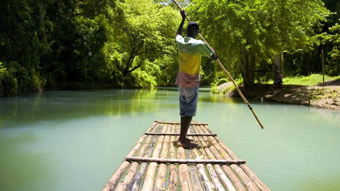 Guide to Bamboo Rafting in Jamaica